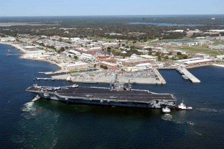 Doua portavioane americane scoase din uz au fost vandute cu cate un cent. Cine le-a cumparat