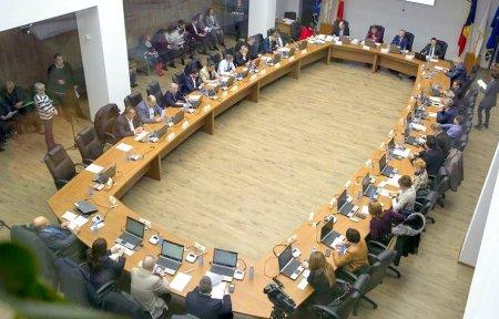 Presedintele Comisiei SRI din Parlament vrea includerea primarilor pe lista beneficiarilor de informatii