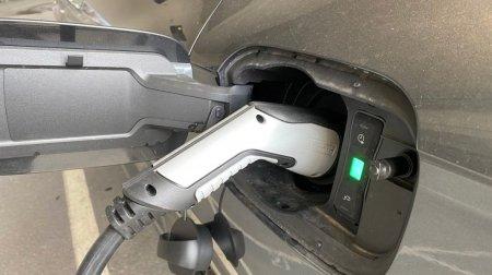 12.000 de masini electrice si hibrid, finantate prin <span style='background:#EDF514'>RABLA</span> Plus in 2021. S-au depus doar 9.750 de cereri. Care sunt conditiile