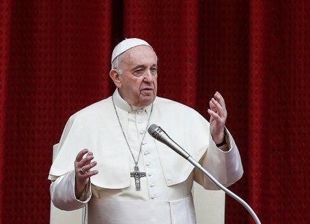 Papa Francisc spune ca viata pe Pamant este amenintata: Raul pe care il provocam planetei nu se mai limiteaza la daunele aduse climei