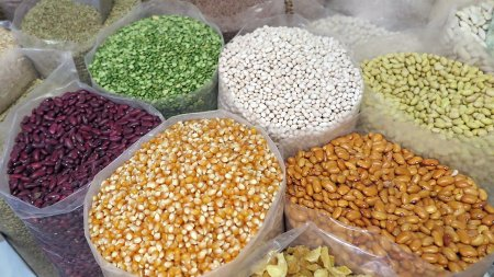 FAO: Cele mai mari preturi la alimente din ultimii 10 ani. Cerealele si uleiul, in top