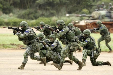 Wall <span style='background:#EDF514'>STREET</span> Journal: trupe SUA au fost detasate in Taiwan de cel putin un an, pe fondul tensiunilor cu China