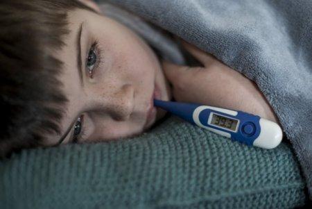 Val de infectii Covid la Spitalul pentru Copii din Iasi: 14 pacienti si 13 <span style='background:#EDF514'>INSOTITOR</span>i