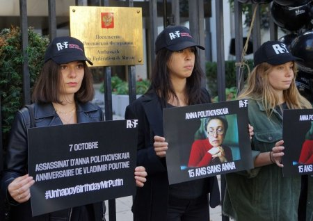 E pentru jurnalistii care au murit aparand libertatea de exprimare. Mesajul ziaristului rus premiat cu Nobelul pentru Pace