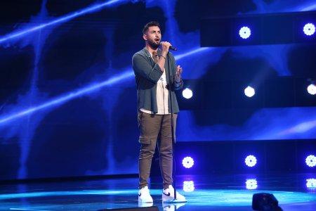 X Factor 2021, 8 octombrie. Ștefan Dinca a cantat Writing's On The Wall si a provocat o discutie amuzanta despre meseria sa