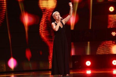 X Factor 2021, 8 octombrie. Florentina Țuchel Matei a impresionat <span style='background:#EDF514'>JURIU</span>l cu interpretarea melodiei Mad About the Boy