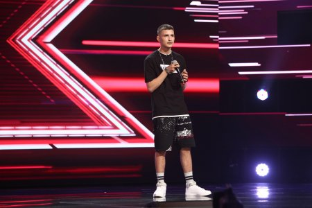 X Factor 2021, 8 octombrie. Catalin Stanga a cantat o melodie proprie. Momentul rap care a luat prin sur<span style='background:#EDF514'>PRINDERE</span> juratii