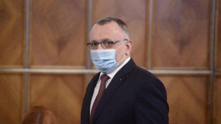 Ministrul Educatiei Sorin Cimpeanu: daca <span style='background:#EDF514'>NORME</span>le de protectie sanitara nu pot fi respectate, orele se fac online