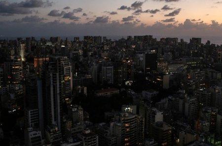 Libanul, lasat complet in intuneric, dupa ce reteaua electrica nationala, ramasa fara combustibil, s-a oprit