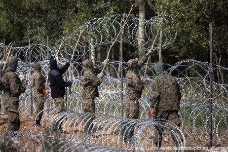 <span style='background:#EDF514'>FOCURI DE ARMA</span> la frontiera dintre Polonia si Belarus