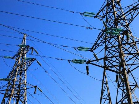 O tara complet in intuneric. Pana totala de curent electric in Liban