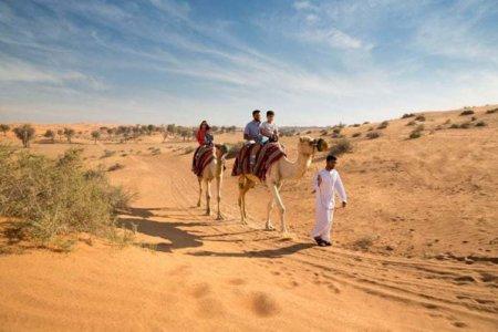 O noua destinatie din Emiratele Arabe Unite devine populara printre romani. Are munti, zeci de kilometri de plaja si cea mai lunga tiroliana din lume
