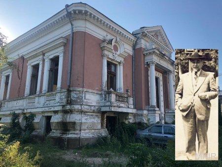 FOTO. Cum a ajuns sa arate casa primarului care a transformat Bucurestiul in Micul Paris: tencuiala care cade, geamuri sparte, prapad