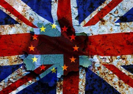 Tensiuni post-<span style='background:#EDF514'>BREXIT</span> intre Marea Britanie si UE! Londra pune presiuni asupra Bruxelles-ului
