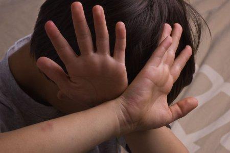 Vasluian arestat dupa si-a batut copiii cu biciul. Cum a iesit la iveala cazul infiorator