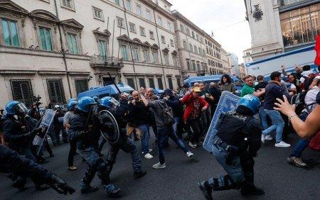 Ample proteste la Roma impotriva certificatului sanitar (video)