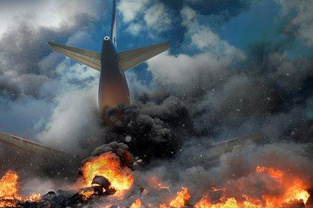 Tragedia momentului! <span style='background:#EDF514'>AVIONUL</span> s-a prabusit astazi. Pasagerii n-au avut nicio sansa, zeci de morti (VIDEO)