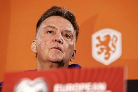 Van Gaal socheaza din nou: Nu jucam pentru public!