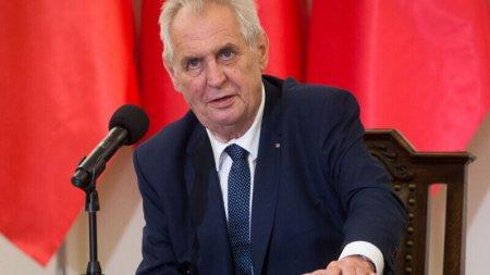 Presedintele Cehiei, <span style='background:#EDF514'>MILOS</span> Zeman, e internat la terapie intensiva