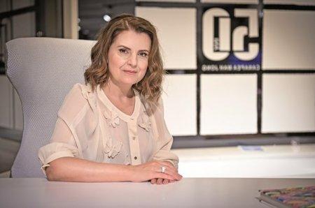 Din vorba-n vorba cu Alina Dascalu, proprietara francizei Roche Bobois in Romania, despre pasiunea pentru Constantin Brancusi, pentru design si <span style='background:#EDF514'>STIINTE</span> exacte