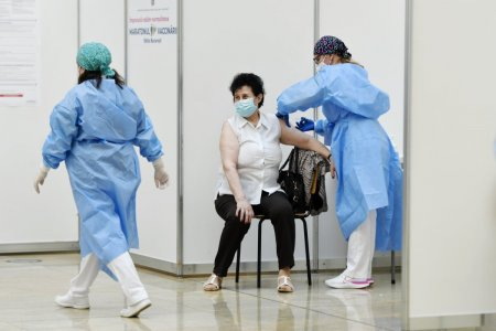 Numarul persoanelor vaccinate anti-COVID, la jumatate fata de acum doua zile