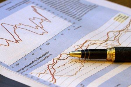 <span style='background:#EDF514'>INSTITUTUL NATIONAL DE STATISTICA</span> a revizuit cresterea economica a tarii
