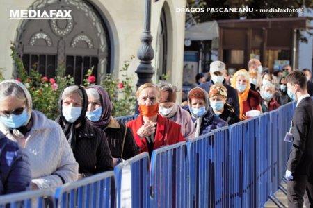 Peste 29.000 de pelerini au trecut pe la racla cu <span style='background:#EDF514'>MOASTELE</span> Sfintei Cuvioase Parascheva