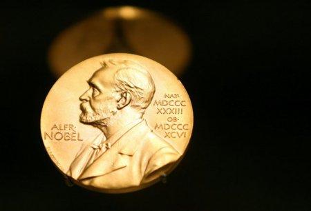 A fost acordat premiul Nobel pentru economie. Cine sunt David Card, Joshua Angrist si Guido Imbens, castigatorii marelui premiu