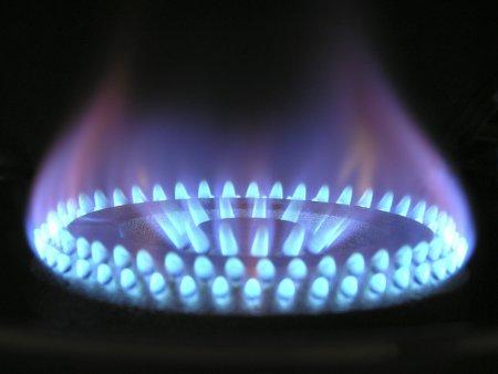 Gazprom ridica pretul gazelor. <span style='background:#EDF514'>TARIF</span>ele europene la gaze, mai mari cu peste 300%