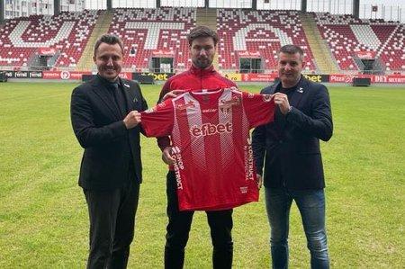 Atacantul cu gol in grupele Ligii Campionilor a semnat cu UTA!