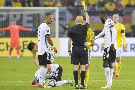 Șase tricolori sunt la un galben de suspendare pentru meciul cu Islanda » George Puscas, lider in topul indisciplinatilor