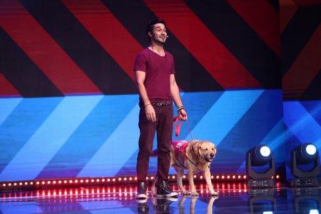 <span style='background:#EDF514'>VALENTIN</span> Andries este cel de-al treilea finalist al acestui sezon iUmor, la Antena 1