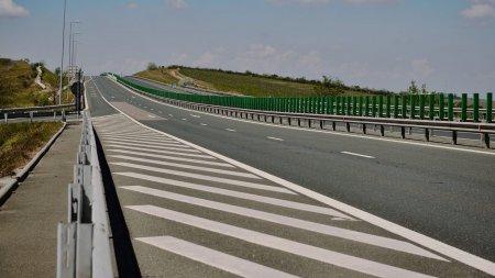 Restrictie de trafic pe autostrada Bucuresti-Constanta pana la <span style='background:#EDF514'>JUMATATEA</span> lunii decembrie