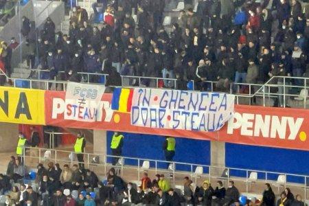 Ce nu s-a vazut la TV, la revenirea nationalei in Ghencea » Mihai Mironica, inamicul numarul 1 al <span style='background:#EDF514'>GALERIE</span>i steliste + mesaj pentru rivala FCSB