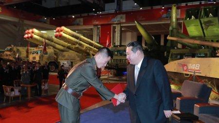 Kim Jong-un promite sa construiasca o armata invincibila in Coreea de Nord