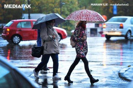 Vremea se raceste in Bucuresti: Temperaturile minime <span style='background:#EDF514'>COBO</span>ara la 8 grade