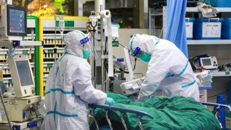 Medic: Ar merita ca fiecare dintre noi sa lucreze macar o garda numai cu pacienti COVID. Am deveni mai buni