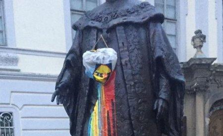 Ce s-a intamplat cu barbatul care a vandalizat statuia b<span style='background:#EDF514'>ARON</span>ului von Brukenthal din Sibiu