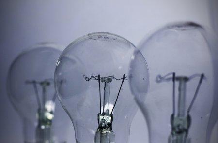 Romania a importat peste 2.100 de MW de electricitate. Pretul la bursa inregistreaza un record istoric