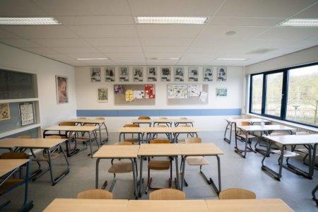 Un sfert din scolile din Bucuresti trec in sistem on-line