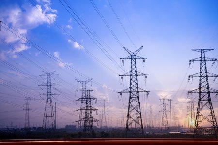 <span style='background:#EDF514'>FACTURA</span> la electricitate, mai ieftina cu 100 de lei din ianuarie. Care sunt conditiile UE