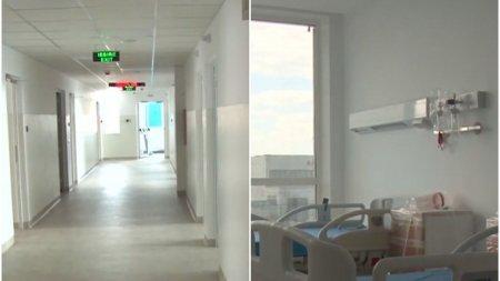 Spitalul modular de la Letcani se deschide. Primii cinci pacienti COVID-19 sunt in drum spre unitatea medicala