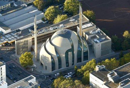 Ce le va fi permis celor 35 de moschei din Köln, in dupa-amiezile de vineri (VIDEO)