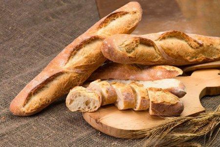 Doua sortimente de paine, contaminate cu oxid de etilena. Reactia unui supermarket din Romania