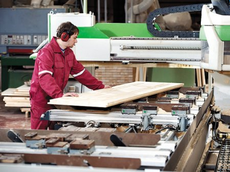Productia industriala a Romaniei, cel mai important indicator pentru mersul industriei locale, a crescut in primele 8 luni cu 12,7 an/an. In august, industria a crescut cu 3% an/an, dar a scazut cu 9,9% fata de iulie 2021