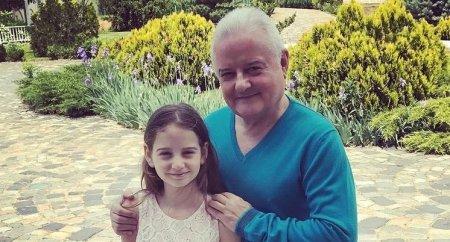 Cum a reactionat fiica lui Irinel <span style='background:#EDF514'>COLUMBEANU</span> cand a aflat ca tatal ei a fost internat: I-am aratat spitalul si asistentele imbracate in costume de protectie