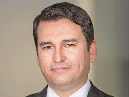 Edvin Abdulachim, director comercial Altex Romania: Etichetele electronice au ajuns in 45 de magazine. Pana la final de 2021 vor fi in toate magazinele Altex si Media Galaxy din tara. Solutia a fost produsa de SOLUM, o companie afiliata <span style='background:#EDF514'>SAMSUNG</span>, iar costul total al acestui proiect a depasit valoarea de 5 milioane de euro