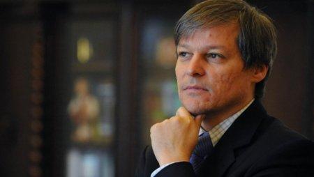 Dacian Ciolos a ajuns la sediul PNL si l-a parafrazat pe J.F.Kennedy inainte sa intre la negocieri
