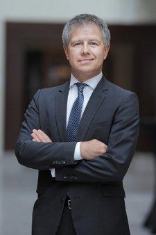 Meet the CEO. Gyula Fatér, CEO OTP Bank Romania: CEO-ul nu trebuie sa fie cel mai bun expert