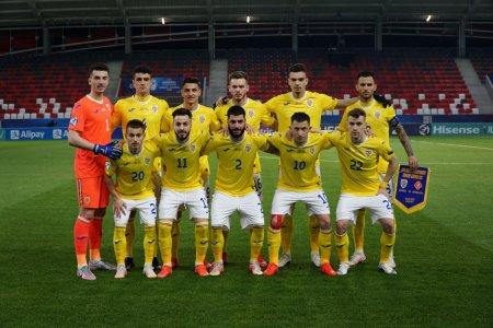 Reprezentantii nationalei de fotbal Under 21 a Romaniei au provocat un scandal monstru in avion si aeroport